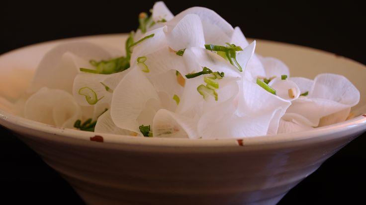 Ensalada de nabo Daikon / Daikon turnip salad #fondodenevera #salad #turnip #daikon