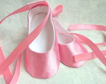 Zapatos de bebé rosa ballet pisos, satén suave único Pre-los caminantes, niño, novia chica quieres, bendición bautismo zapatos, zapatillas niños, bebé niña
