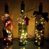 Original idea de decoración de navidad para darle uso a esas botellas que en un principio teníamos pensado tirar.