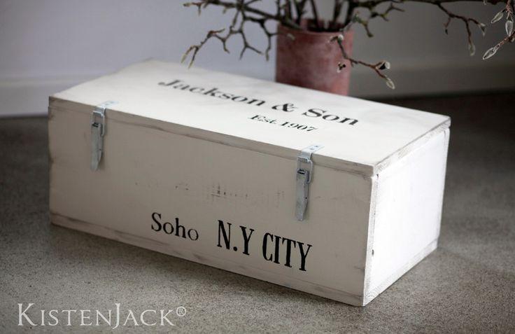 Holzkiste Truhe ~Soho NY City~ Frachtkiste vintage von Kistenjack auf DaWanda.com