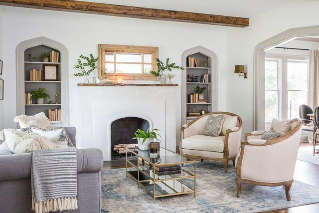 Chip And Joanna Gaines Cheap Out On Fixer Upper Realtor Com In 2021 Fixer Upper Living Room Fixer Upper Living Rooms Farm House Living Room