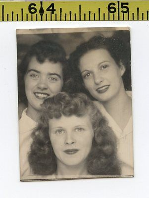 Vintage 1940's PHOTOBOOTH photo / Frosty Redhead & Two Drunk Girlfriends - BOOTH