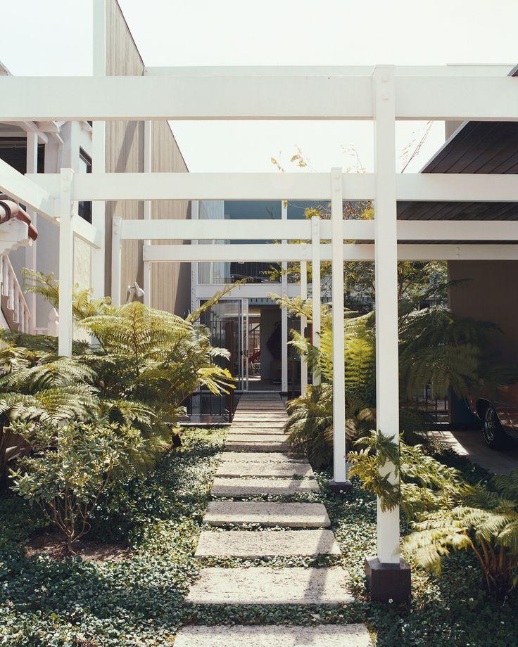 Modernism - 1964 Case Study architect Edward Killingsworth's masterpiece, the 1957 Opdahl House.