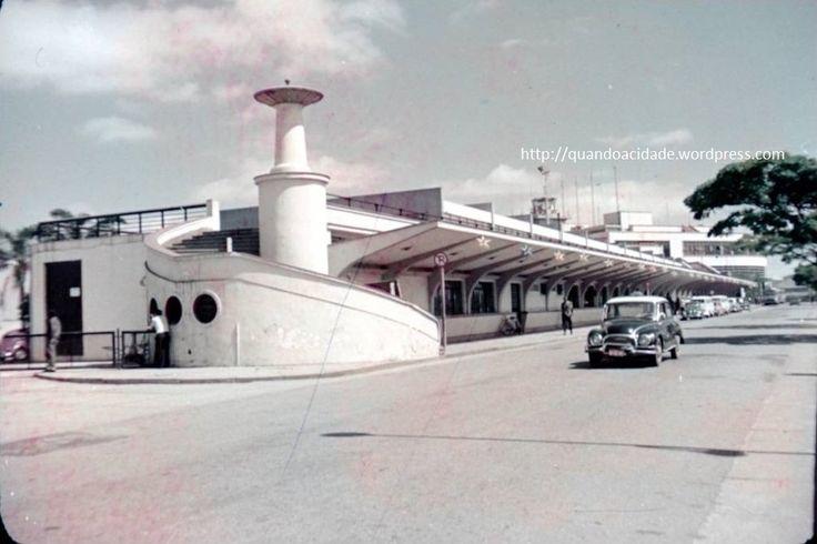 escada para subir ao deck de observacao do aeroporto de congonhas antigamente - anos 60