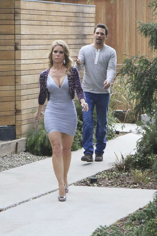 picters nude cheryl hines