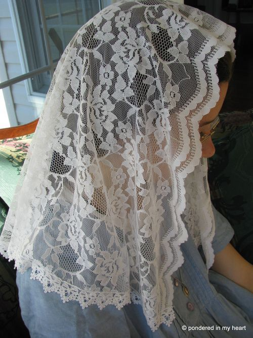 Sewing Tutorial: How to Make a Lace Chapel Veil (and tie-on girls head scarves with the scraps)