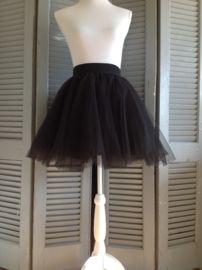 Korte zwarte tule rok bij Tutu Tule