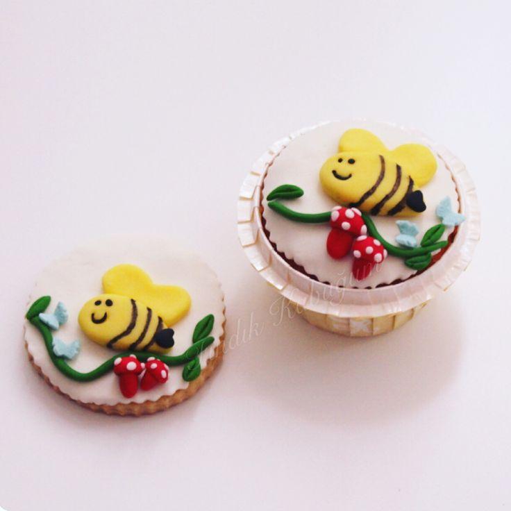 Arı Konsepti Kurabiye Ve Cupcake / Aryan Cookie / Kids Cookie / Kids Cupcake