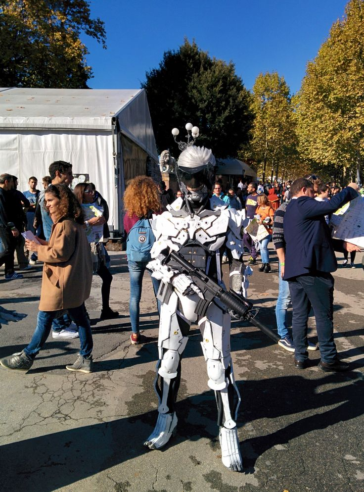 Cosplayer di Raiden da Metal Gear