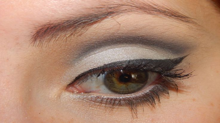 Maquillaje para Nochevieja  New Year Eve Makeup https://www.youtube.com/watch?v=uu8_zxNL8oE&feature=youtu.be