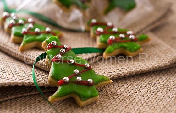 """Красивое новогоднее печение """"Елочки"""" прекрасно тем, что не только порадует вас за столом, но и в процессе подготовки - делая это вместе с членами своей семьи или в ожидании гостей, вы наполните дом приятным ароматом и предвкушением праздника!"""