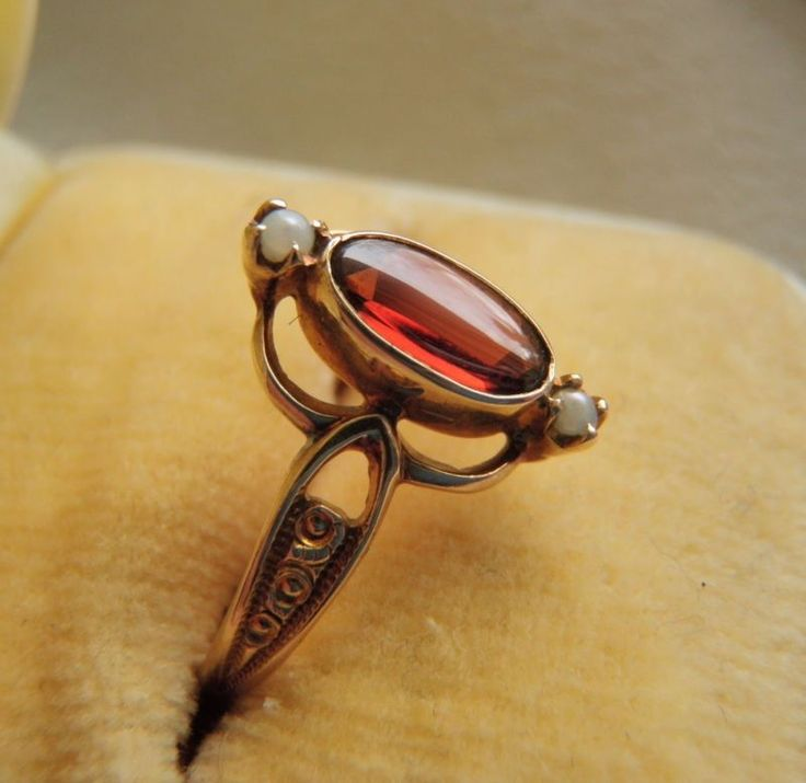 RARE ANTIQUE OSTBY BARTON 10K GOLD GARNET CABOCHON SEED PEARL RING SZ 6.5