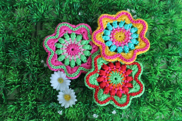 Some lovely crochet flower applications