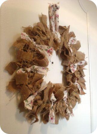 Toile de jute + tissu fleuri + rond en carton rigide