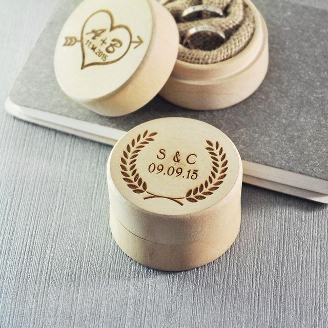 Gepersonaliseerde houten ring box, Ringkussen doos, Custom houten ring box, Rustieke bruiloft, Gegraveerde initialen en datum