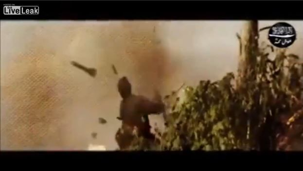 φοβερο βιντεο... Rpg σκαει στα χερια ισλαμοπιθηκου στην συρια ενω σημαδευει και του διαλυει το κεφαλι...!!!
