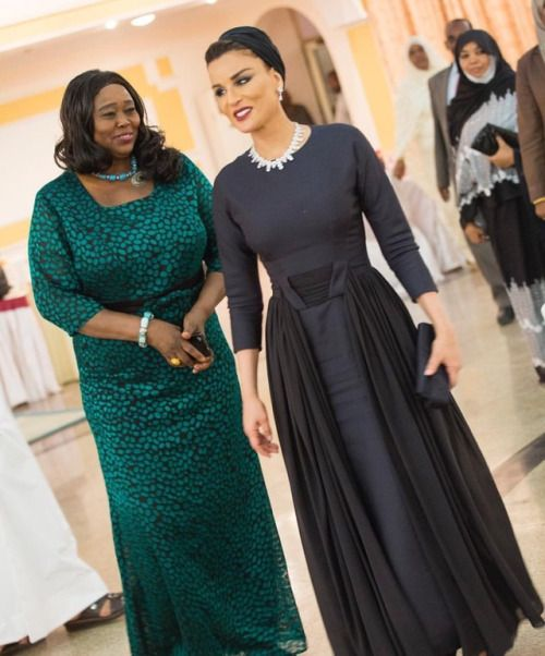 What a lady. Sheikha Mozah looks absolutely elegant in black...