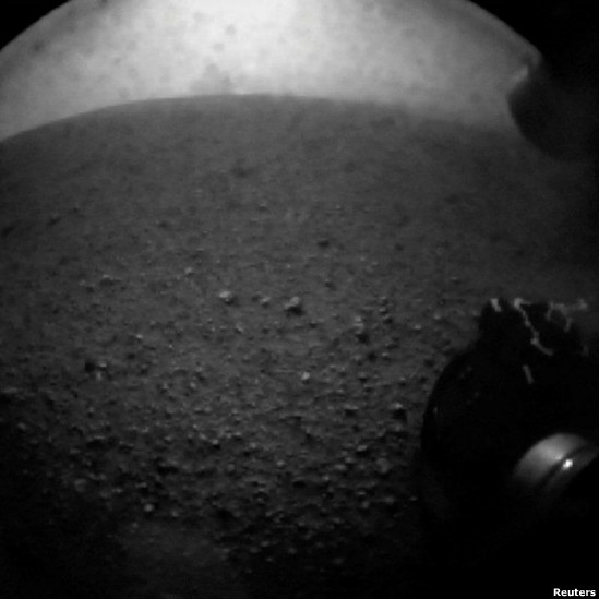 Curiosity's first pics  / Tags:  #Curiosity #NASA  #Marte  #Mars