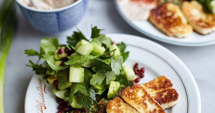 Zucchinifritters med halloumi   Recept från Köket.se