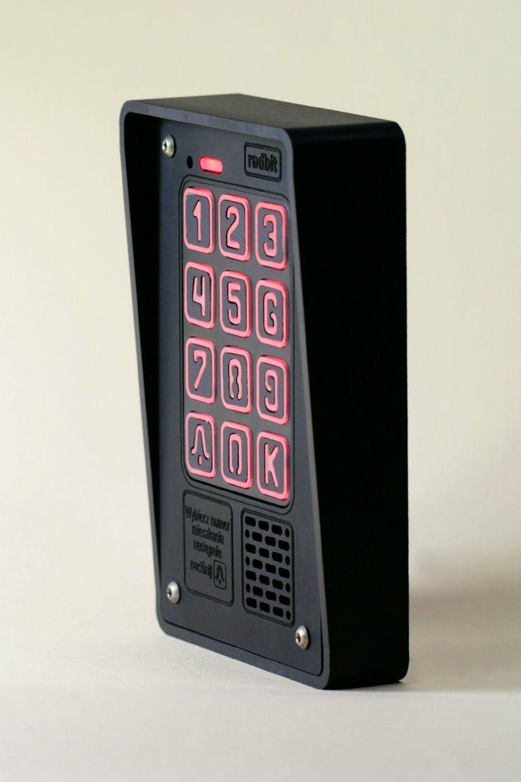 Cyfrowy domofon wielorodzinny w wersji mini - zgrabny, elegancki i trwały. Radbit - polskie domofony