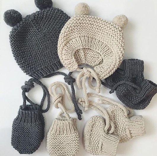 Шапки ручной работы. Ярмарка Мастеров - ручная работа. Купить Комплекты детские вязаные(шапки-чепчики,варежки.пинетки). Handmade. Пряжа