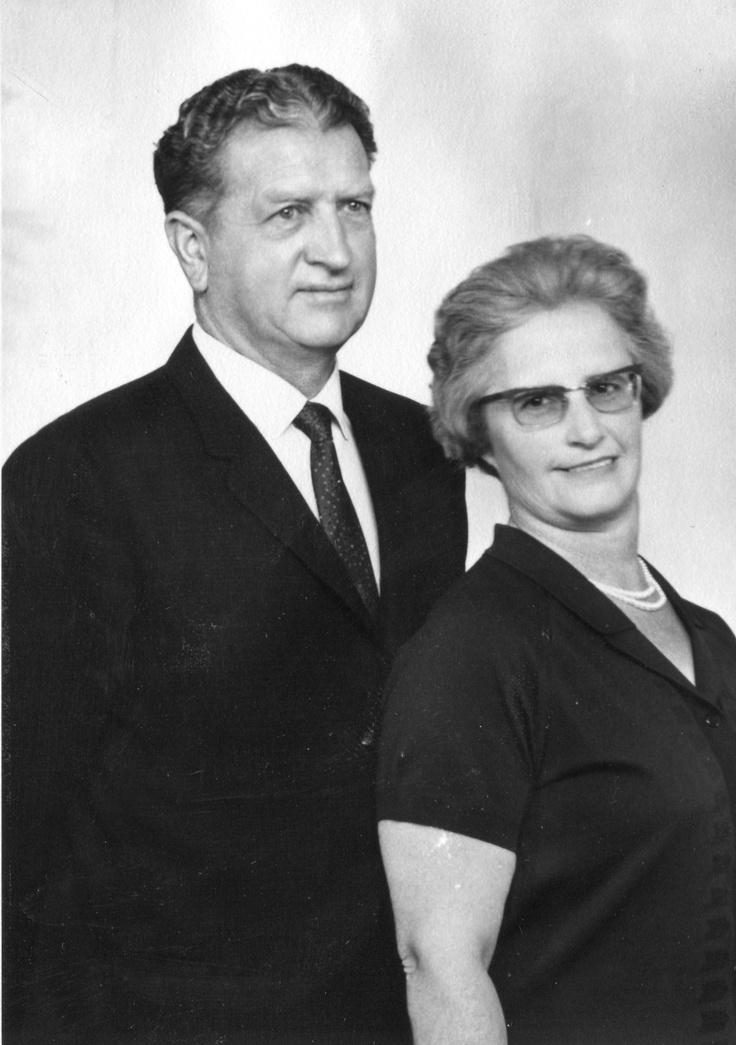 Oupa Campbell Martin Smith & Ouma Anna (Roux) Smith 1968