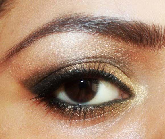Smokey Gold Eye Makeup With Urban Decay Palette 1