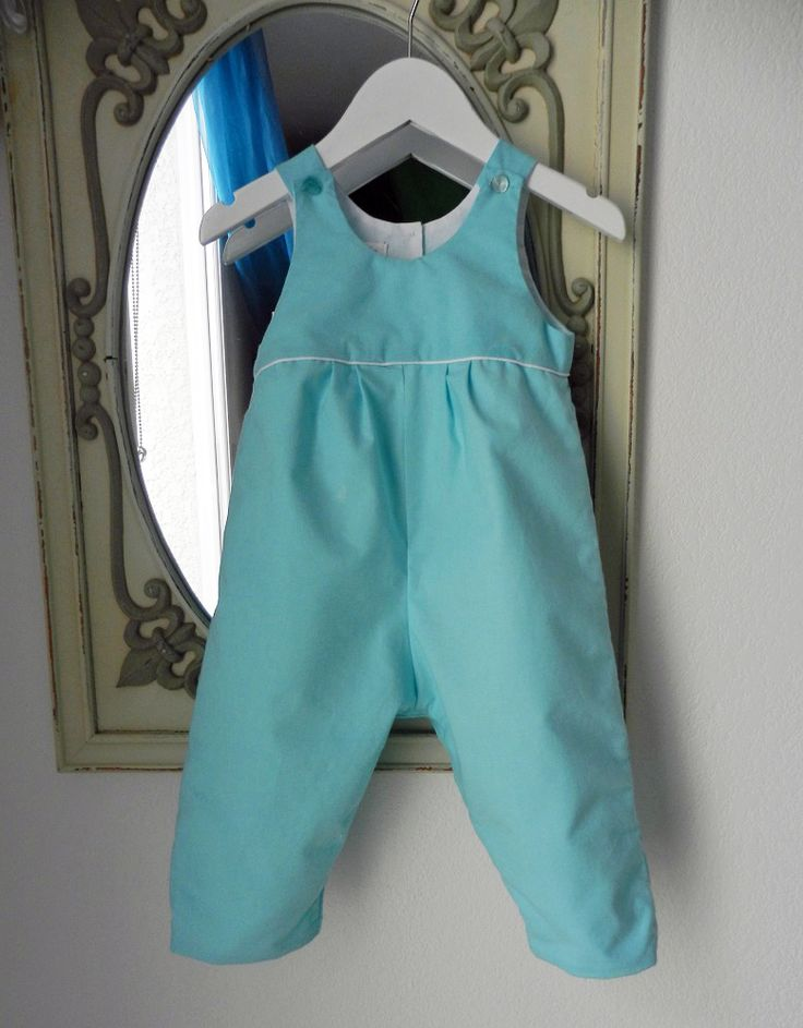 Duchesse or ange salopette bleu turquoise passepoil blanc bebe turquoise blue baby overalls