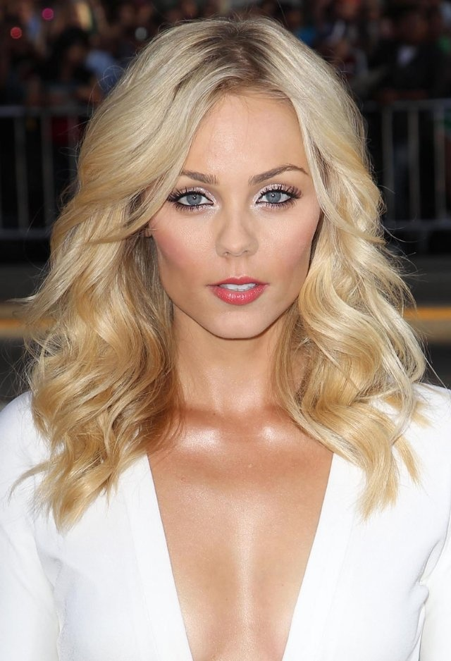 Laura Vandervoort 'Ted' Premiere held at Grauman's... JB Lacroix Copyright: Wireimage 2012