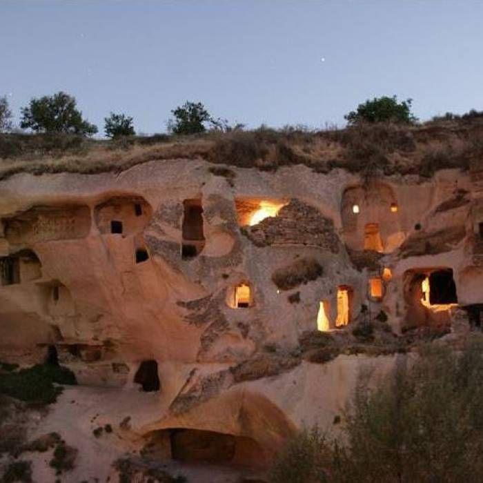 1 Woche Luxus-Höhlenhotel in der Türkei mit Flug ab 669 Euro