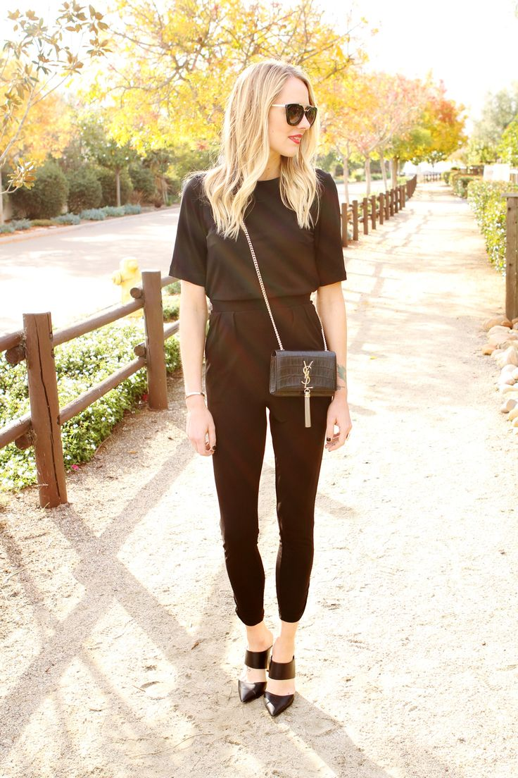 @jacksonamy goes for a chic stroll in a black H&M jumpsuit. | H&M OOTD