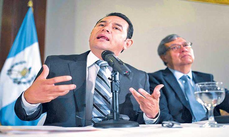 Jimmy Morales buscará revertir el mal prestigio que dejaron sus antecesores.