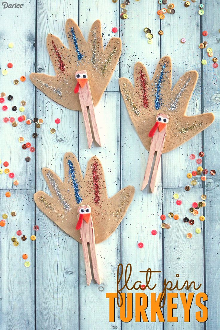 This clothespin turkey kids craft can be used as adorable seasonal decor, Thanksgiving treat bag embellishments or simply as playtime puppets.