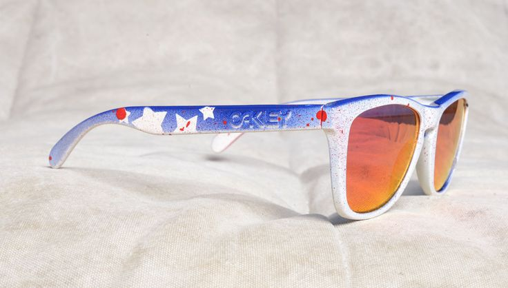 Have you seen these insane one-of-a-kind Oakley Takumi Frogskins? Check them out: https://www.oakleyforum.com/threads/takumi-frogskins.75051/