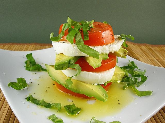 A Summer Salad From Paris by culinarycory. Recipe and photo via SaraMolton. #Salad #Summer #culinarycory #SaraMolton: Paris, Salad Summer, Recipe, Caprese Salad, Culinarycory, Food, Summer Salads, Photo