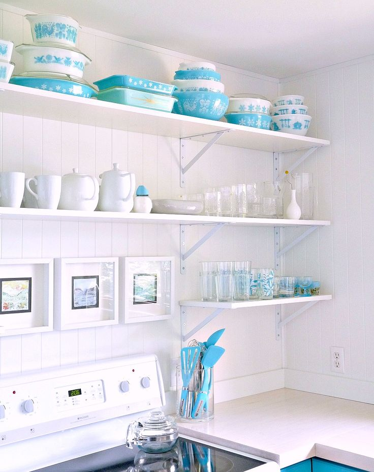 A Budget-Friendly Turquoise Kitchen Makeover