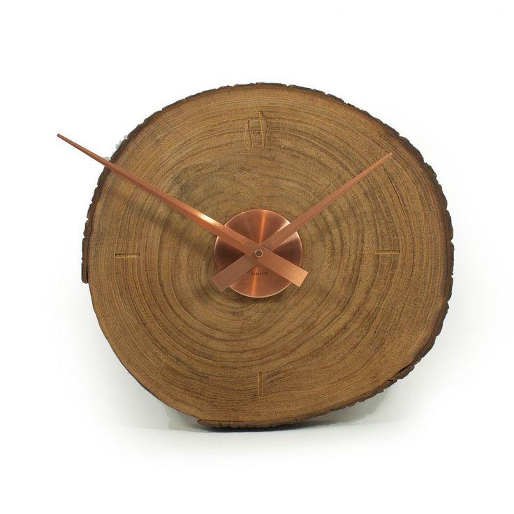Hoentjen - Handgemaakte houten wandklok - koper 2