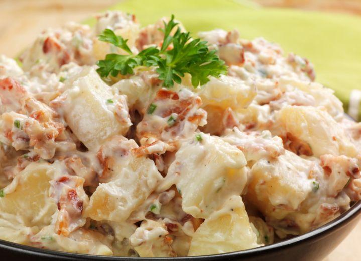 Las ensaladas mixtas son deliciosas y pueden ser acompañada casi con cualquier tipo de alimento. Estas ensaladas son sencilla y muy fácil de preparar, adem