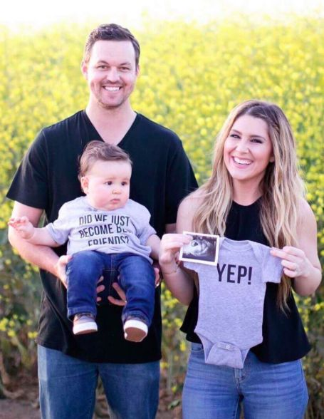 PERFECT PREGNANCY ANNOUNCEMENT! Second child /two babies /twins. Did we just become best friends? Yep!