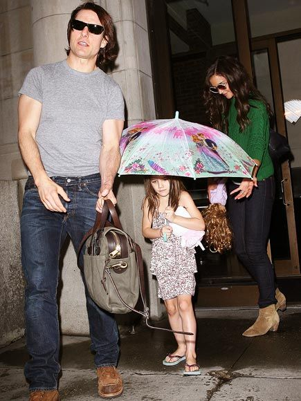 DRY SPELL photo | Katie Holmes, Suri Cruise, Tom Cruise