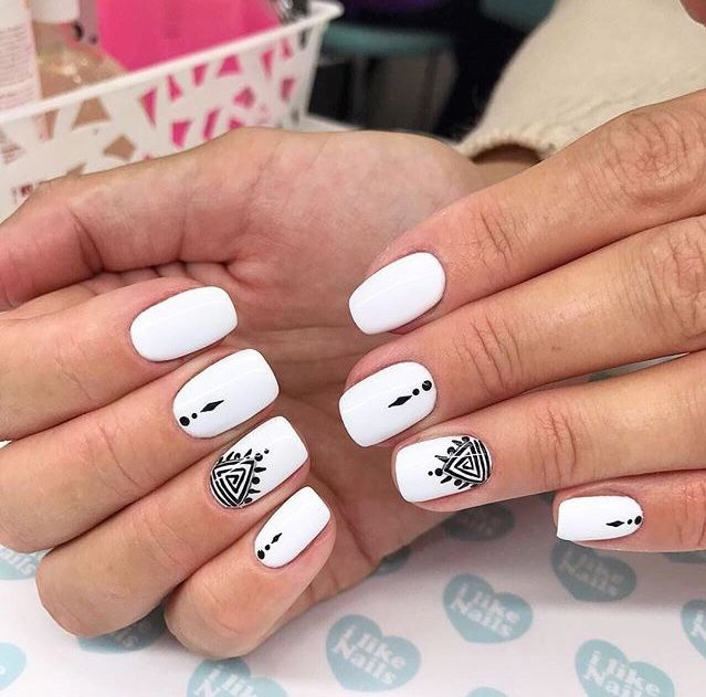 White Nails With Black Design Short Acrylic Nails Summer