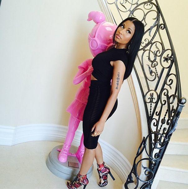 Nicki Minaj Posts More Selfies & We Can't GetEnough!