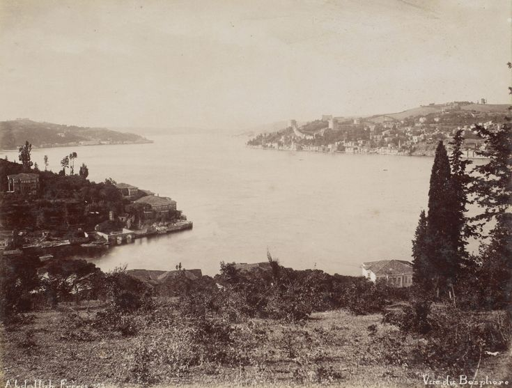 Kanlıca Üstlerinden Boğaziçi Abdullah Fréres / 1880s