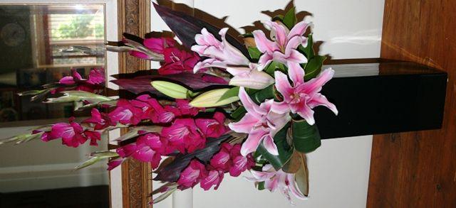 Bloomin Boxes :: Edna's Gladdioli