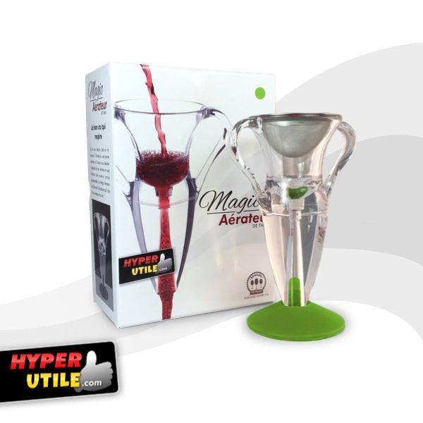 Hyper Utile vous propose un produit original, pratique et efficace tout en jouant sur l'esthétisme de ce dernier. En effet, cet aérateur et décanteur de vin vous permet d'oxygéner le vin instantanément mais également de filtrer et de séparer le fluide pour qu'il puisse révéler toutes ses saveurs.