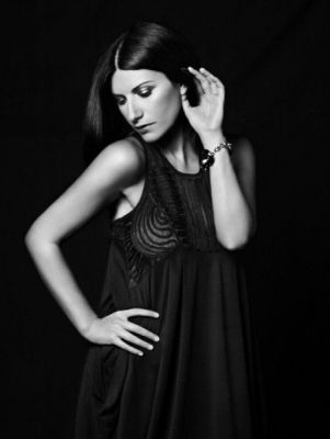Laura Pausini Official Site - PHOTO BY BRIAN ADAMS