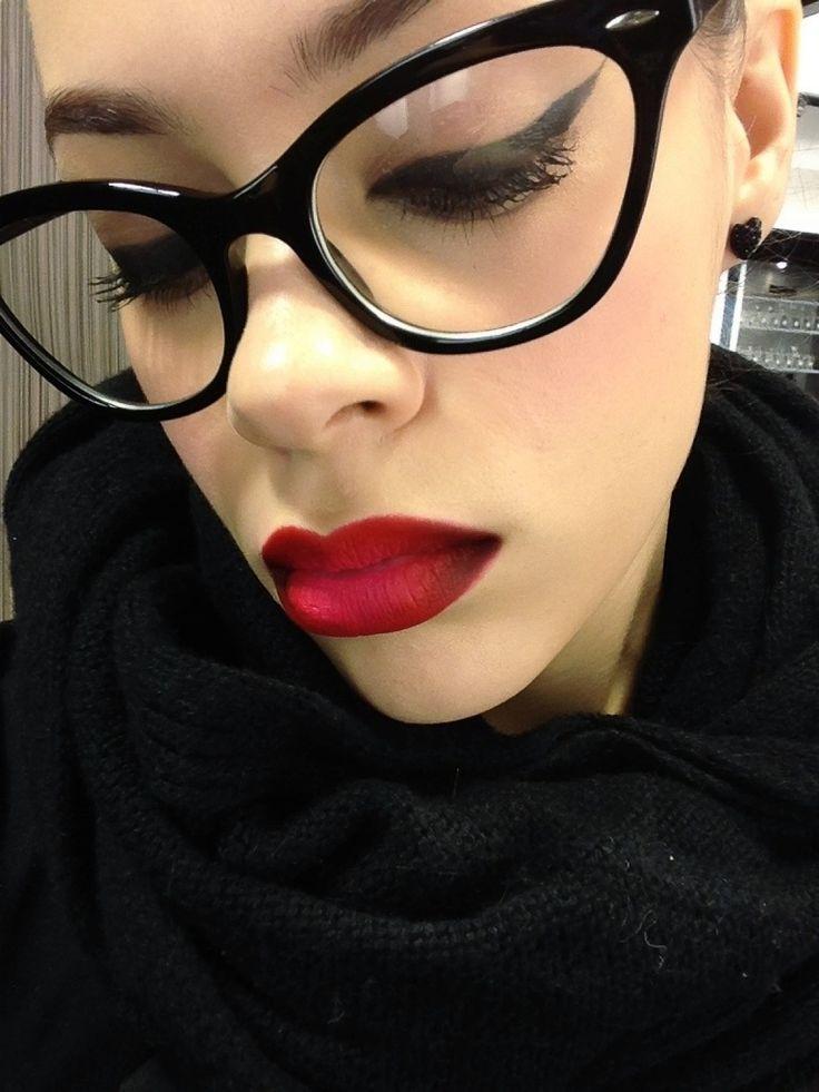 Mac Ruby Woo Lipstick W Mac Vino Liner Makeup