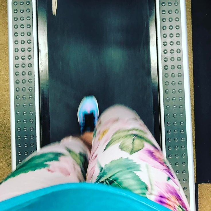 Normally when I work out I am annoyed at my workout pants and can't get into a groove.  But with the Jades I can be in my own little bubble and concentrating on my workout!  I am so into my bubble that I am jamming to my music and then wonder if people think I'm nuts!  Don't worry if you hear someone bite it on the treadmill it's just me get into the groove!