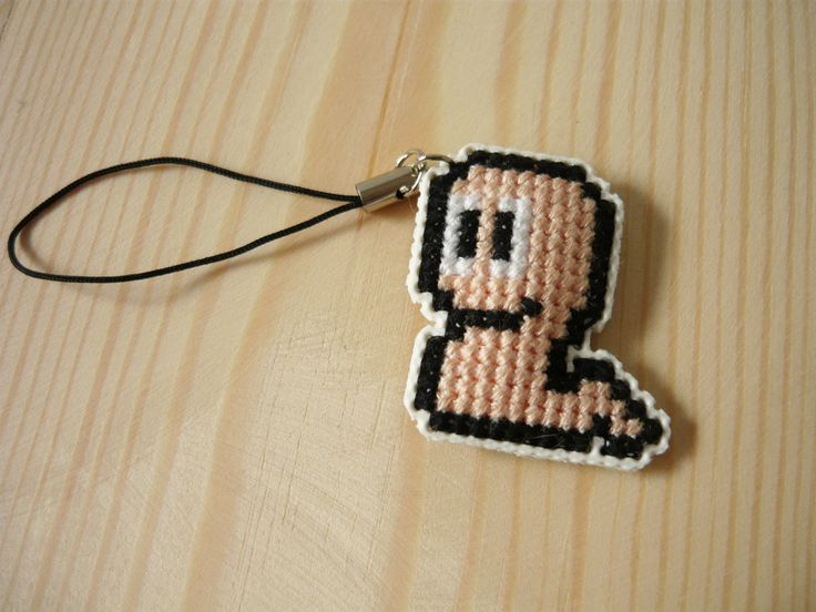 Cross stitch phone charm - Worm by MariAnnieArt on Etsy #MariAndAnnieArt #crossstitch #phonecharm #embroidered