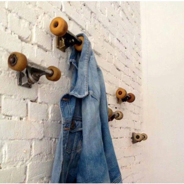 Skateboard hooks.... Hoy hemos seleccionado una idea brillante para los más jóvenes de la casa. Como lo veis?